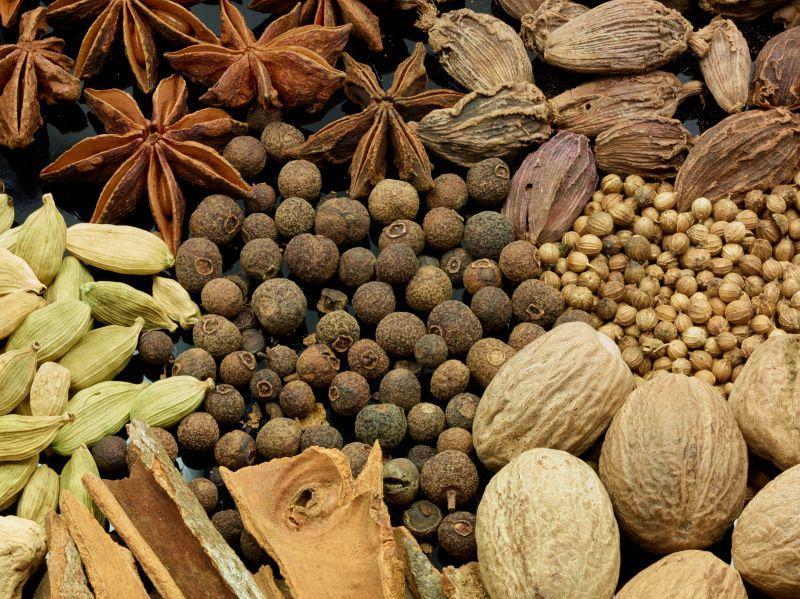 Les épices qui donnent du goût, exhausteur de saveurs